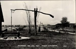 Ak Neusiedl am See Burgenland, Ziehbrunnen, Hütten