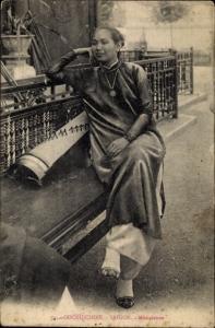 Ak Saigon Cochinchine Vietnam, Musicienne