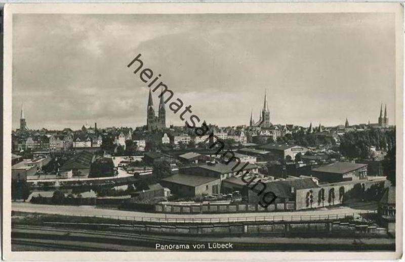 Lübeck - Panorama - Foto-AK