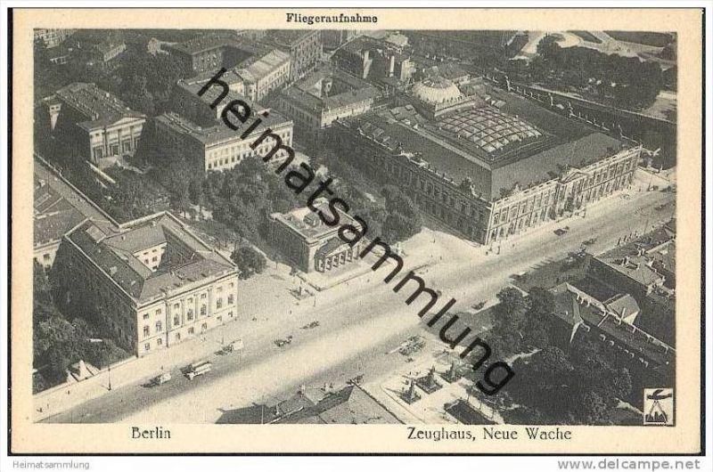 Berlin-Mitte - Zeughaus - Neue Wache - Fliegeraufnahme