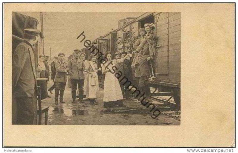Wohlfahrts-Postkarte - Bahnhofsdienst der Frauenhülfe Neumünster