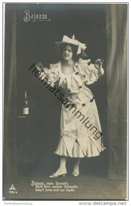 Frau im Kostüm - Bajazzo - Foto-AK
