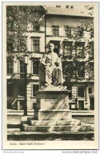 Berlin-Mitte - Robert-Koch-Denkmal