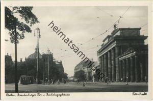 Berlin - Brandenburger Tor und Reichstagsgebäude - Foto-Ansichtskarte 30er Jahre