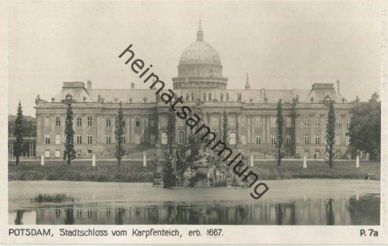 Potsdam - Stadtschloss vom Karpfenteich - Foto-AK 30er Jahre - Verlag Ludwig Walter Berlin