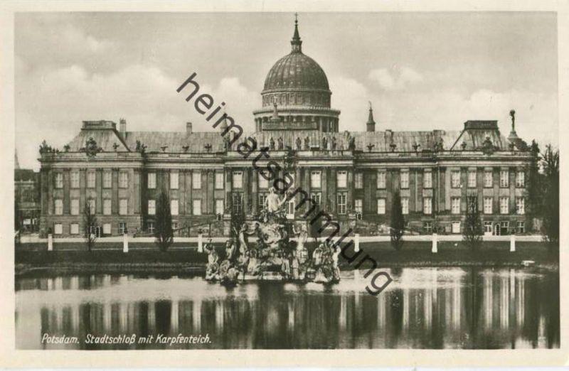 Potsdam - Stadtschloss mit Karpfenteich - Foto-AK 30er Jahre - Verlag Hans Andres Berlin