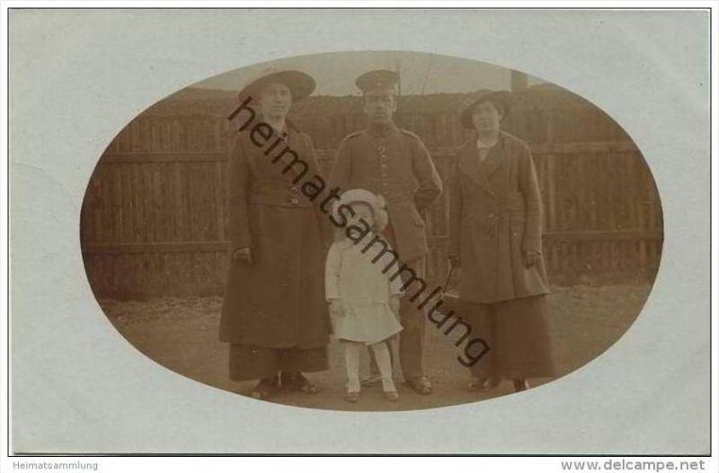 Soldat mit Familie - Foto-AK