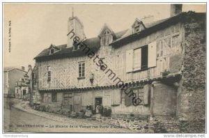 Chateaudun - La Maison de la Vierge rue Porte d' Abas
