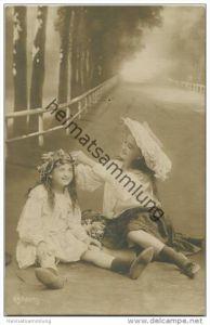 Zwei Mädchen - Foto-AK