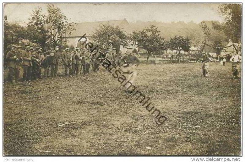 Soldaten - Freizeit - Sackhüpfen - Feldpost 1916