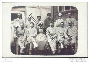 Soldaten im Lazarett - Krankenschwestern - Foto-AK