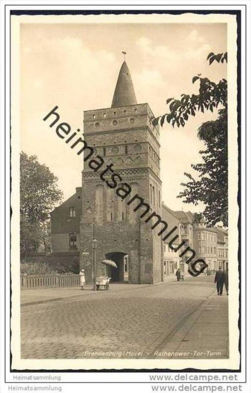 Brandenburg/Havel - Rathenower-Tor-Turm - Eisverkäuferin - Foto-AK 30er Jahre