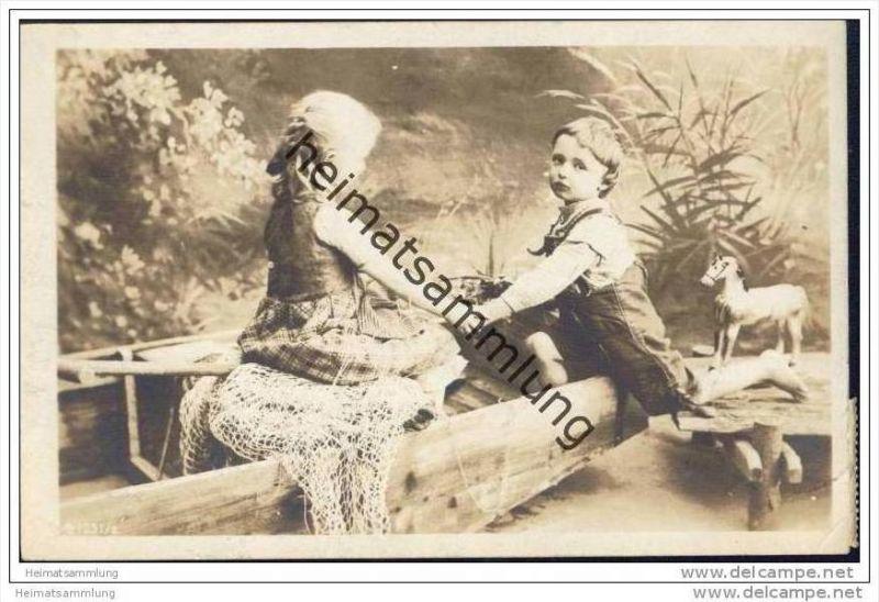 Junge und Mädchen im Boot - Holzpferd - Foto-AK 1908
