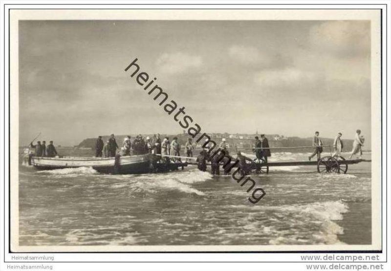 Helgoland - Landung auf der Düne - Foto-AK 30er Jahre