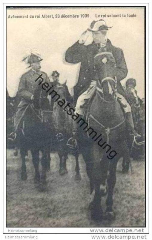 Avenement du roi Albert 23 décembre 1909 - Le roi salutant la foule