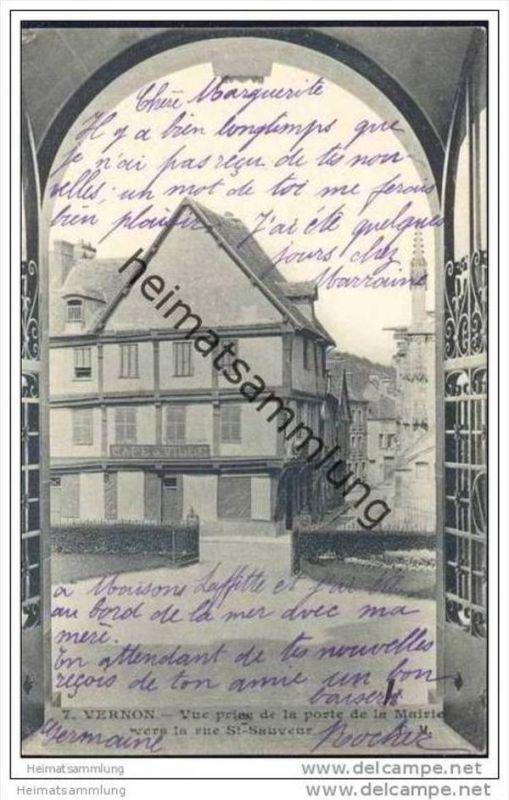 Vernon - Vue prise de la porte de la Mairie vers la rue St-Saveur