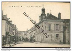 Montereau - La Poste et la Grande-Rue