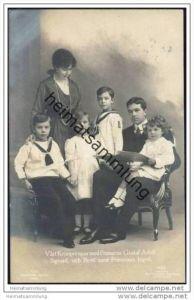 Kronprinz Gustaf Adolf und Kronprinzessin Margaret von Schweden mit den Kindern Gustaf Adolf Sigvard Ingrid Bertil