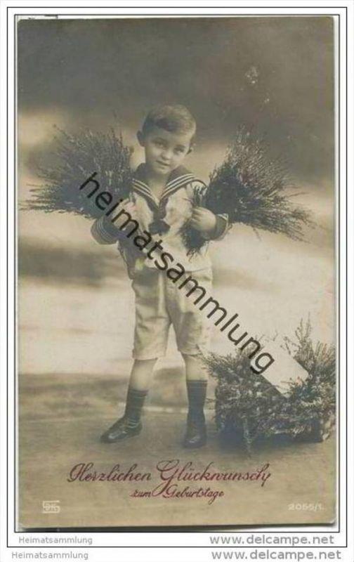 Junge mit Blumensträussen - Geburtstag - Foto-AK