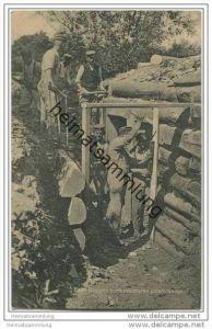 Militär - Soldaten beim Bau von bombensichern Unterständen