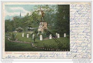 Zürich - Turnerdenkmal am Alpenquai
