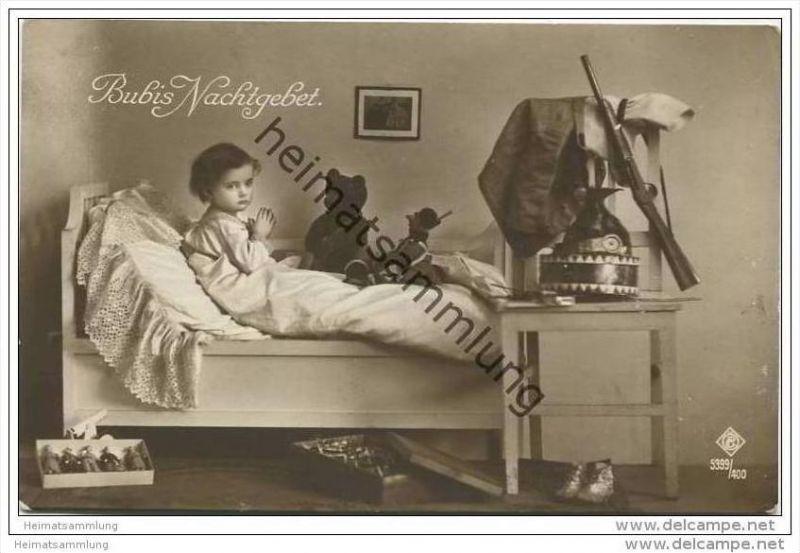 Bubis Nachtgebet - Kind - Spielzeug - Bär - Trommel - Gewehr - Figuren - Foto-AK