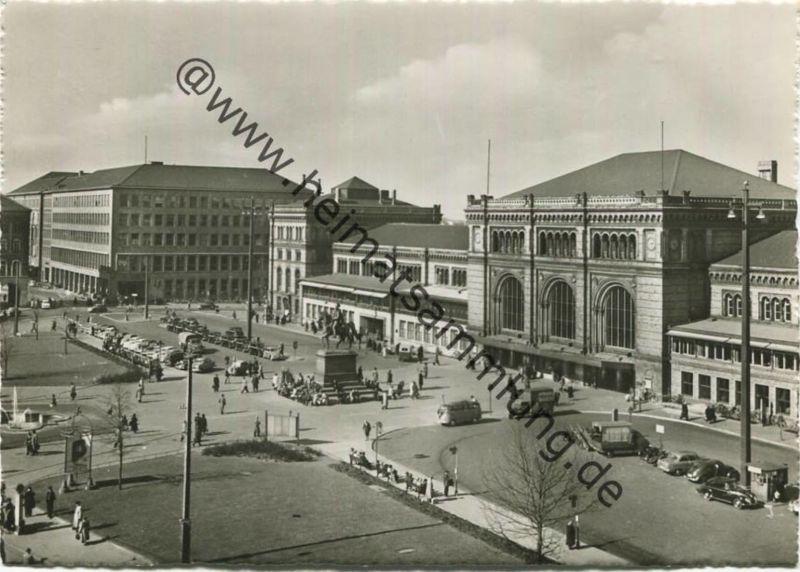 Hannover - Blick auf den Ernst August Platz mit Hauptbahnhof und Postamt - Foto-AK Grossformat - Verlag Ernst Stopp Hann