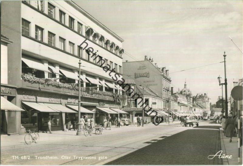 Trondheim - Olav Trygvasons gate - Foto-Ansichtskarte 50er Jahre - Verlag Knut Aune Trondheim