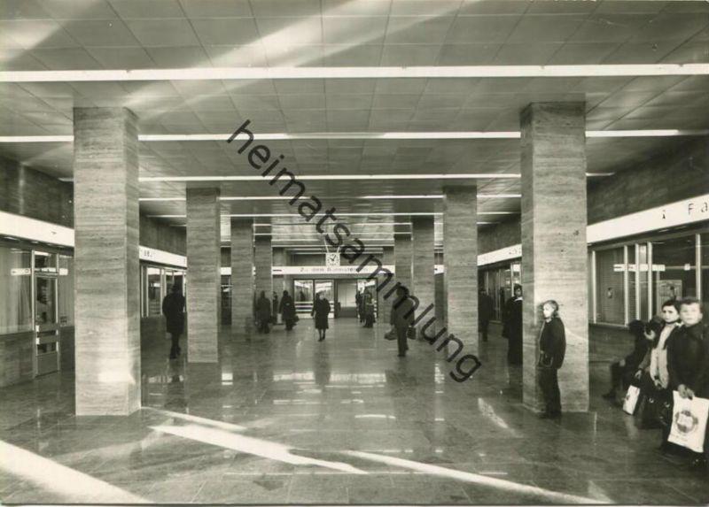 Plauen - Oberer Bahnhof - Foto-AK Grossformat - Verlag VEB Foto Verlag Erlbach - Rückseite geschrieben 1975