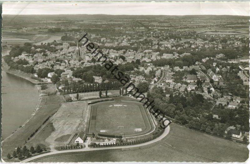 Nienburg - Luftaufnahme - Foto-Ansichtskarte - Verlag Schöning & Co. Lübeck