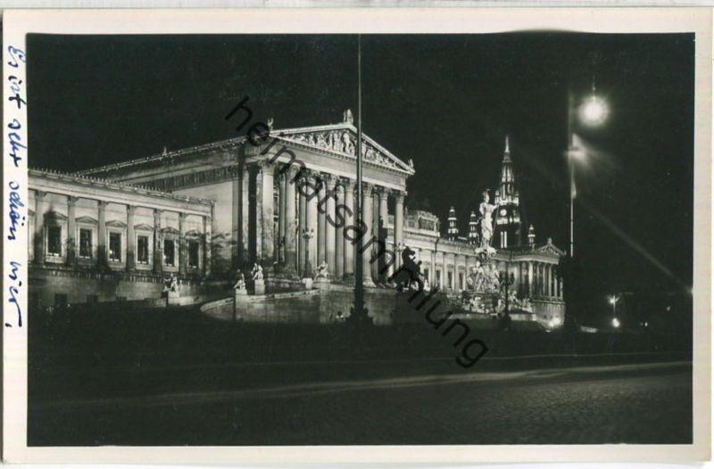 Wien - Beleuchtetes Parlament - Foto-Ansichtskarte - Verlag Postkarten Industrie AG Wien