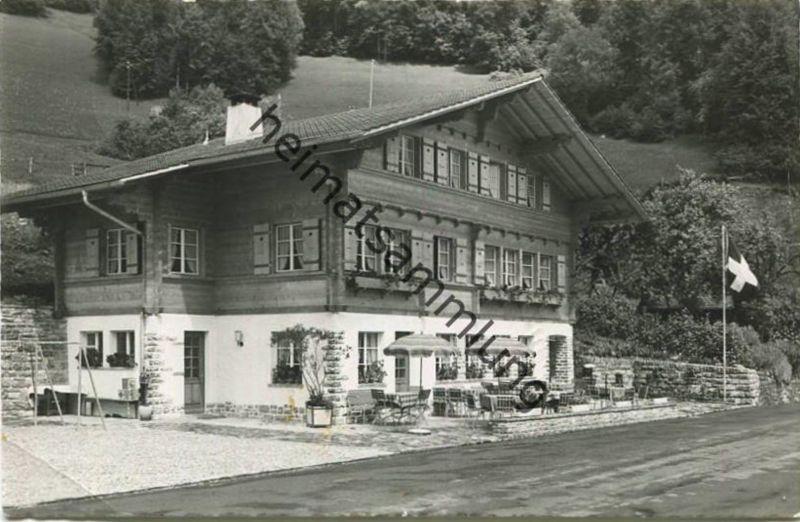 Ebligen - Gasthaus Hirschen - Familie Fuchs - Foto-AK - Verlag H. C. Maeder Brienz gel. 1953