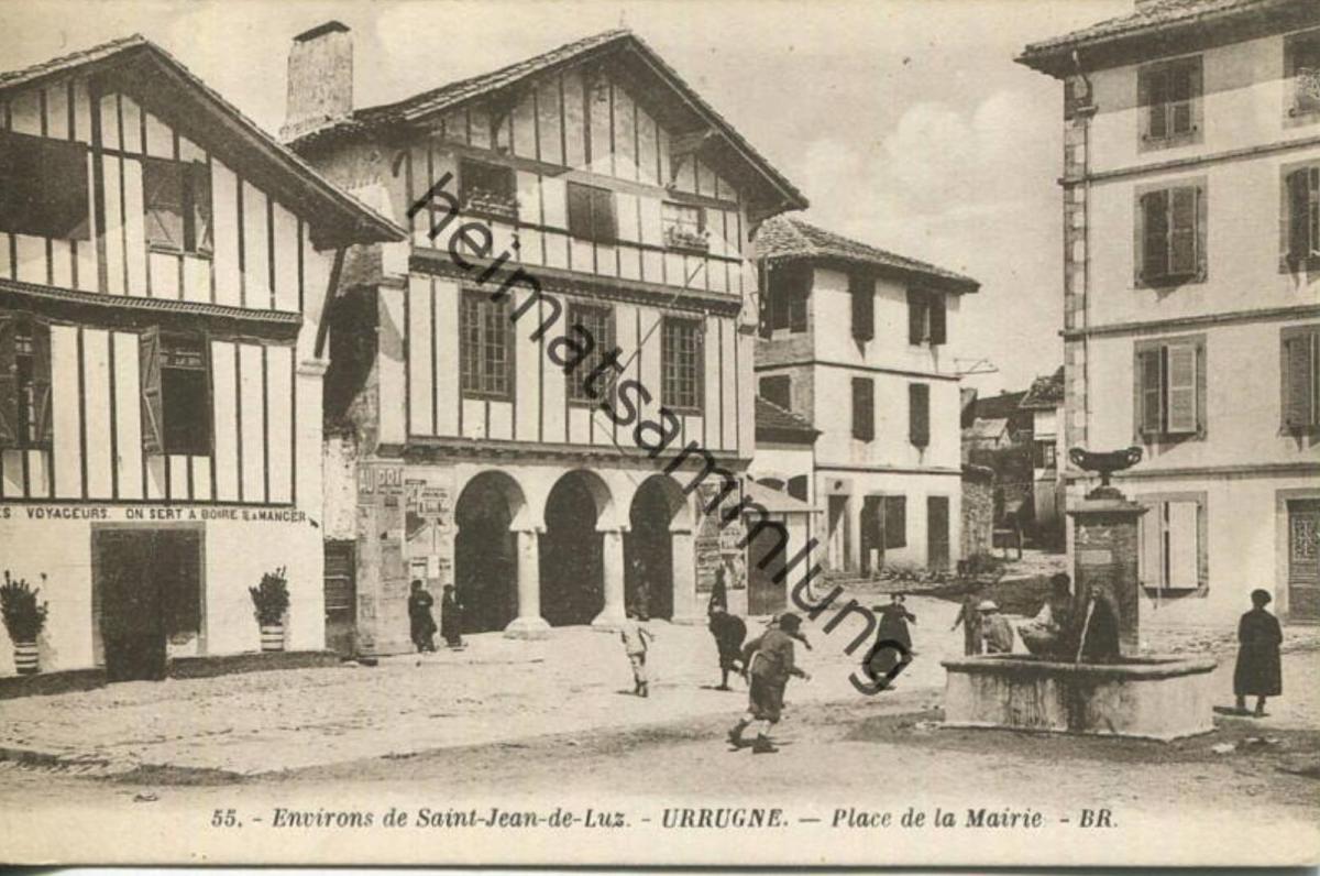 Urrugne - Place de la Mairie