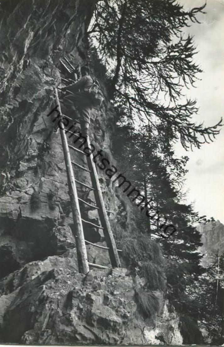 Albinenleitern am Felsenweg von Leukerbad nach Albinen - Foto-AK - Verlag Klopfenstein Adelboden gel. 1962