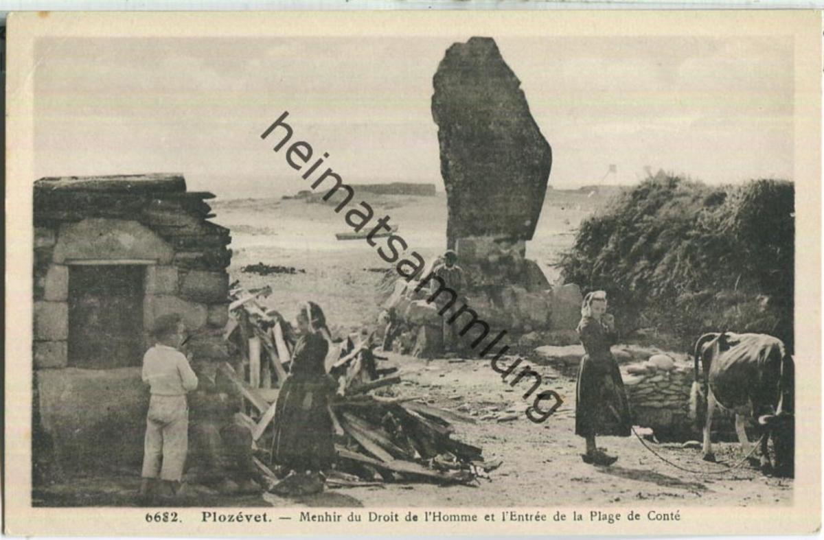 Plozevet - Menhir du Droit de l' Homme et l Entree de la Plage de Conte - Edition Villard Quimper