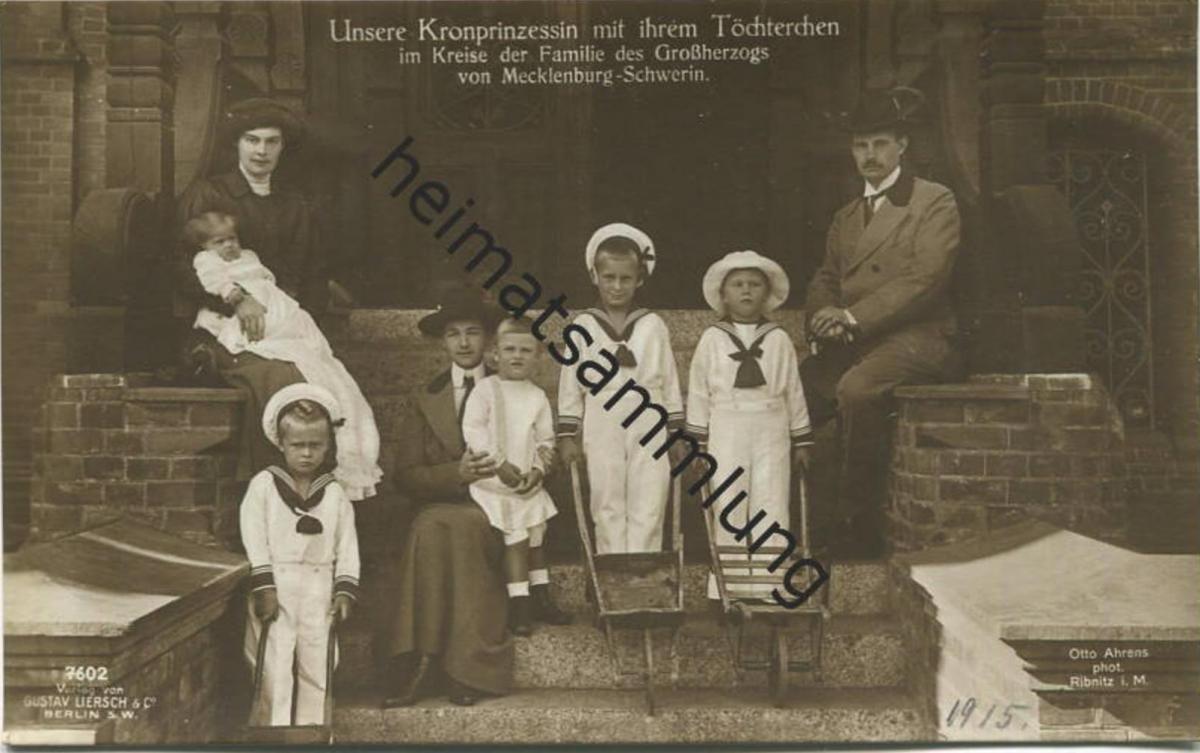 Kronprinzessin mit ihrem Töchterchen - Familie des Großherzogs von Mecklenburg-Schwerin - Verlag Gustav Liersch &Co. Ber