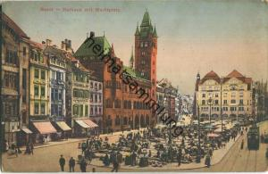 Basel - Rathaus mit Marktplatz