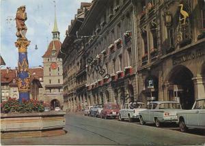 Bern - Spitalgasse mit Dudelsackpfeiferbrunnen und Käfigturm - AK Grossformat - Verlag Kiosk AG Bern gel. 1967