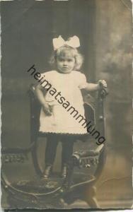 kleines Mädchen - Foto-Ansichtskarte