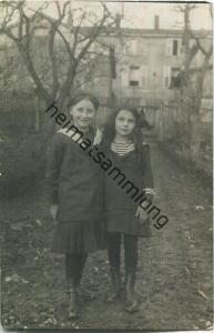 zwei Mädchen in Falkenberg Faulquemont - Foto-Ansichtskarte - Feldpost