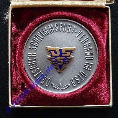 Kult und selten , von 1962 , DDR Medaille Schwimmen , DSS , mit Etui  -ansehen--