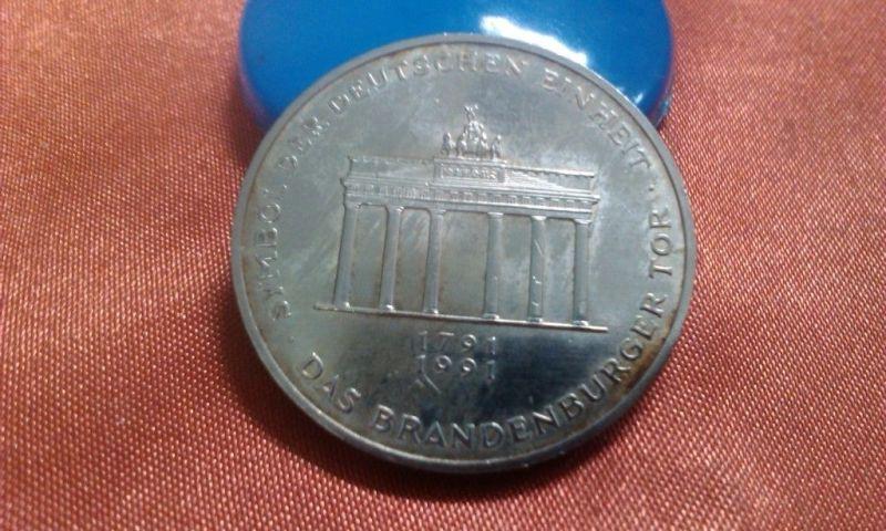 Deutschland 10 Mark 1991 A 200 Jahre Brandenburger Tor , Silber -- mind. vz --