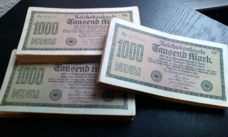 Banknoten Lot : 25 x 1.000 Mark / Reichsmark von 1922 --- verschiedene -