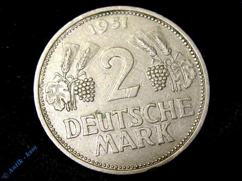 Münze Deutschland , 2 Mark ,Kursmünze 1951 D , Ähren und Weintrauben , Erhaltung