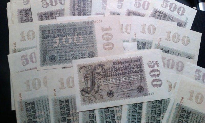 4 Scheine, Inflations Lot : 2 x 100 und 2 x 500 Millionen Mark/Reichsmark , 1923