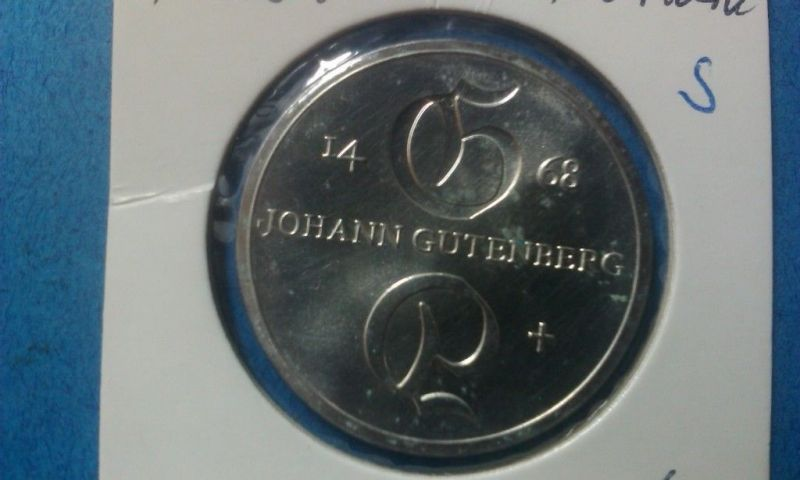 A Top Münze DDR von 1968 : 10 Mark in Silber, vz- stgl.? Johann GUTENBERG