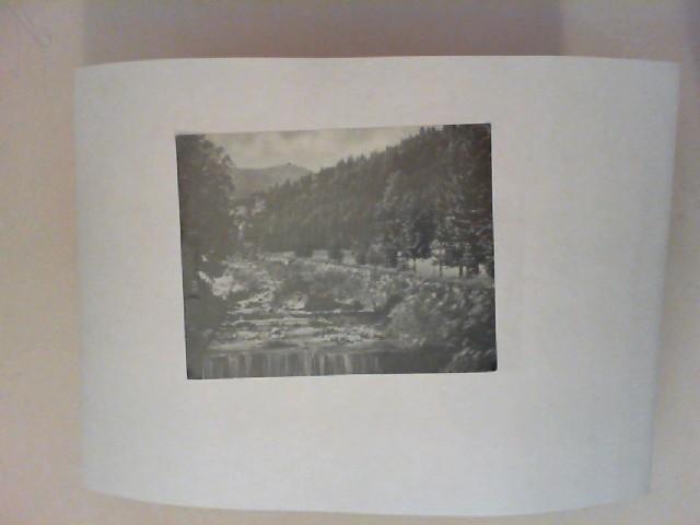 Wolfshau im Riesengebirge. Die Lomnitz mit der Schneekoppe [schwarz-weiß-Postkarte]