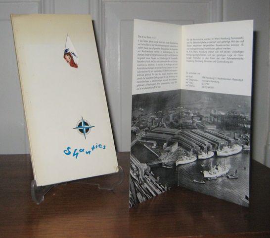 """Maschinenfabrik Augsburg-Nürnberg (MAN) / Aktiengesellschaft - Werk Hamburg (Hrsg.): Kleine Sammelmappe, den Freunden von M.A.N. gewidmet: Shanties. Die Liedertexte sind den Sammlungen """"Flaschenpost"""" von Bern Hardy und """"Knurrhahn"""" v..."""