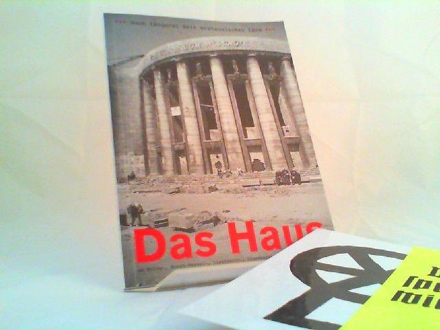 Volksbühne am Rosa-Luxemburg-Platz (Hg.): Nach längerer Zeit erstaunlicher Lärm. Das Haus am Bülow-, Horst-Wessel-, Liebknecht-, Luxemburg-, Rosa-Luxemburg-Platz. [100 Jahre Volksbühne] 0