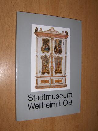 Helm, Reinhardt: Stadtmuseum Weilheim 1882-1982 *. Kurzbiographien der Heiligen und Künstler, Verzeichnis der Künstler und Kunsthandwerker 1522-1982.